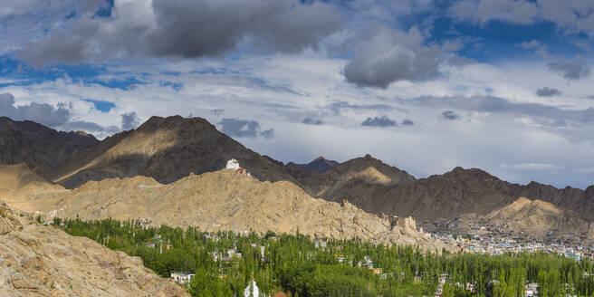India,Jammuand Kashmir,Ladakh,NamgyalTsemoGompaMonastery onTsenmoHill, viewpoint over Leh - WGF01308