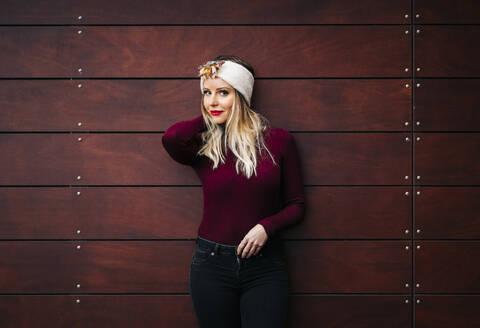 Portrait of beautiful woman wearing a headband - DGOF00185