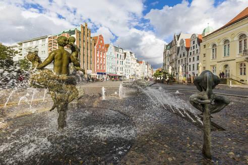 Germany, Mecklenburg-West Pomerania, Rostock, Hanseatic City, University square, Fountain of zest for life (Brunnen der Lebensfreude)  - WDF05713