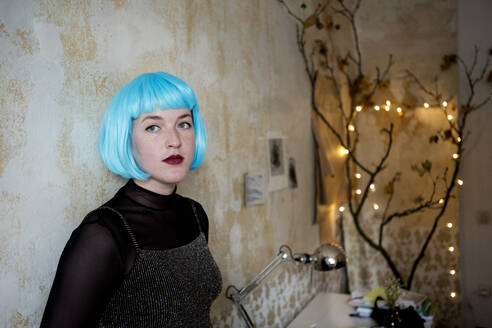 Young woman wearing blue wig - FLLF00391