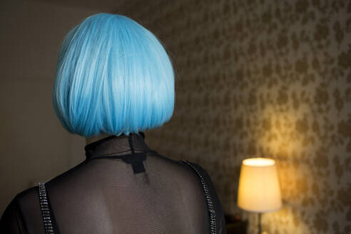 Young woman wearing blue wig - FLLF00394