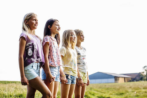 Girls on a field in the countryside - SODF00638
