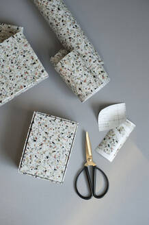 DIY gift boxes decorated with terrazzo adhesive tape - GISF00554