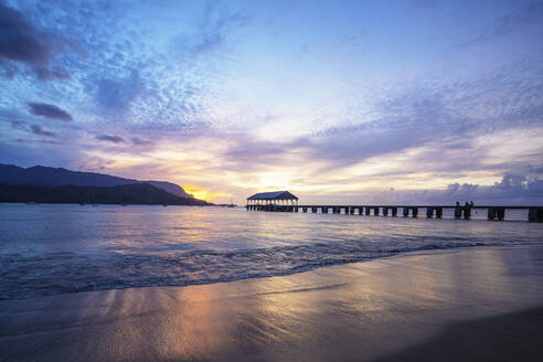 Hanalei Bay pier, Kauai Island, Hawaii, United States of America, North America - RHPLF14079