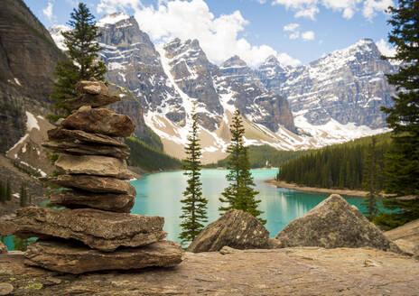 Moraine Lake, Banff, Alberta, Canada - CAVF77374