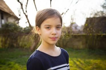 Portrait of girl in garden - LVF08725