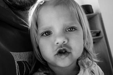 Portrait of little girl - JOSEF00337