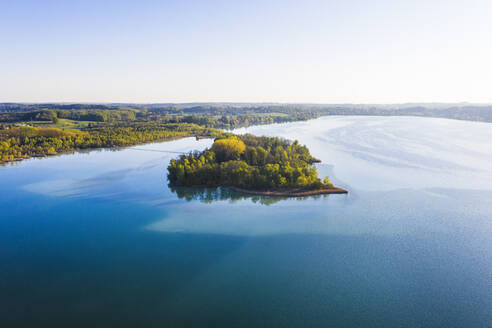 Germany, Bavaria, Inning am Ammersee, Drone view of clear sky over forested shore ofWorth island - SIEF09844