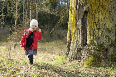 Little girl walking in the woods - BRF01442