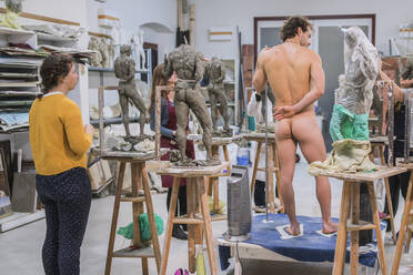 Sculpture, class with naked model - FBAF01556