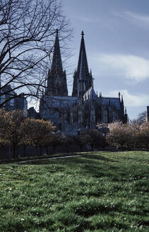 Germany, North Rhine-Westphalia, Cologne,Cologne Cathedral in autumn - DASF00087