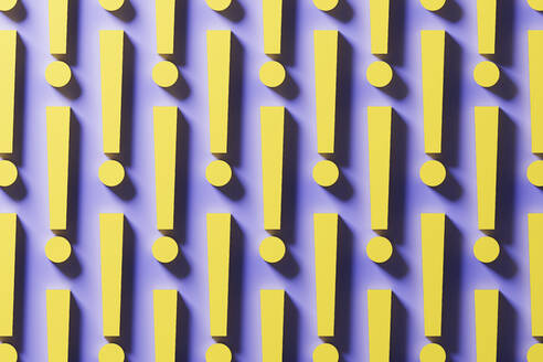 Multiple yellow exclamation points organized in a row over purple background, 3D Illustration - DRBF00186