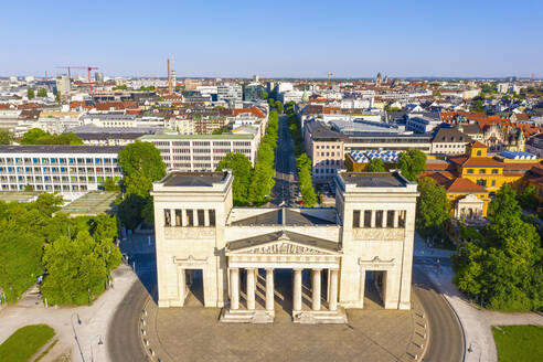 Propyläen am Königsplatz, Maxvorstadt, München, Drohnenaufnahme, Oberbayern, Bayern, Deutschland - SIEF10006