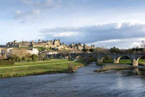 Medieval fortress near river Aude, Carcassonne, Languedoc-Roussillon, France - XCF00301
