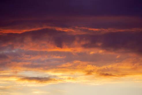 Dramatic sky at fiery sunset - NDF01135