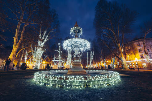 Illuminated decorations on fountain at Zrinjevac during Christmas - LCUF00121