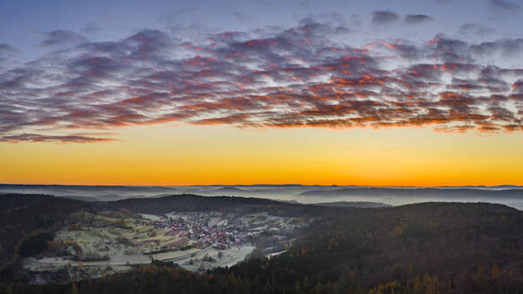 Germany, Baden-Wurttemberg, Drone view of Remstal valley at foggy autumn dawn - STSF02714