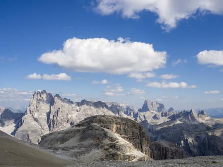Scenic view of Sexten Dolomites - HUSF00168