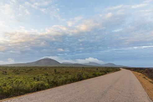Australia, Oceania, Western Australia, Cape Le Grand National Park, Frenchman Peak, Mountain road and plains - FOF11987