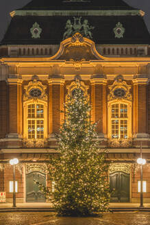Germany, Hamburg, Christmas Tree on Peterstrasse in Composers Quarter - KEBF01789