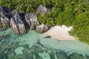 Aerial view of the famous sandy beach Anse Source d´Argent at La Digue Island. Anse Source d´Argent, La Digue, Seychelles, Indian Ocean, Indian Ocean Islands, Africa, Equator. - RUEF03190