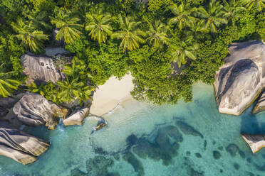 Aerial view of the famous sandy beach Anse Source d´Argent at La Digue Island. Anse Source d´Argent, La Digue, Seychelles, Indian Ocean, Indian Ocean Islands, Africa, Equator. - RUEF03205