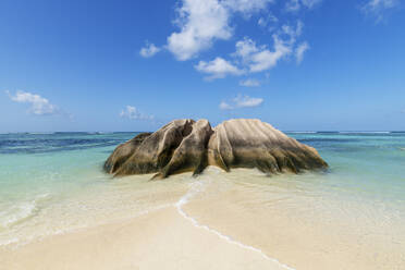 Granite rock formation at Anse Source DArgent beach in summer - RUEF03208